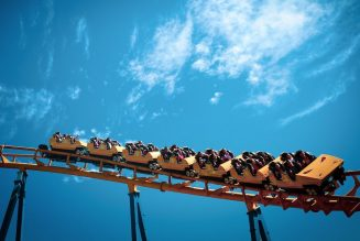 Japan Amusement Parks Asking Guests Not to Scream on Roller Coasters Due to COVID-19