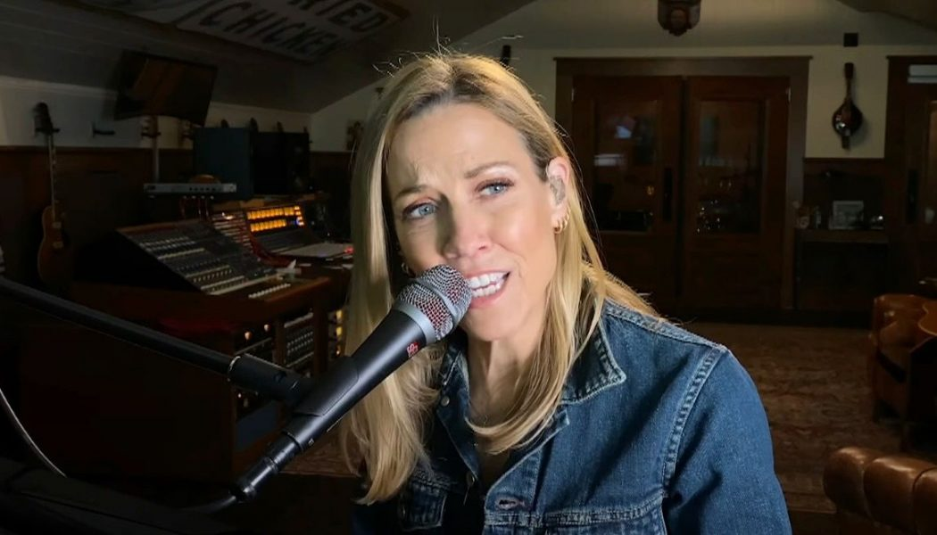 """Sheryl Crow Covers George Harrison's """"Beware of Darkness"""" on Colbert: Watch"""