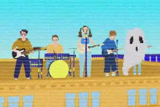 """Soccer Mommy Goes on Tour in New 8-Bit Video for """"crawling in my skin"""": Watch"""