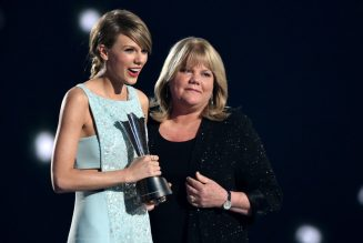 Taylor Swift Shares Sweet Mother's Day Message & Childhood Home Video: Watch
