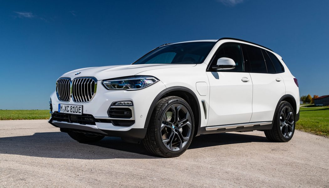 2021 BMW X5 Plug-In Hybrid Finally Arrives, Brings More Range and Power