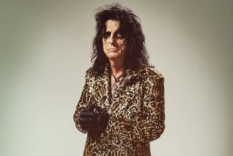 ALICE COOPER Says 'It's Kind Of Nice' To Have A 'Forced Vacation' From Touring