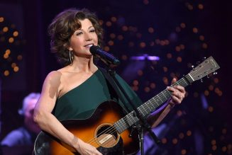 Amy Grant Shows Off Scar From Open-Heart Surgery: My Recovery 'Felt Miraculous'