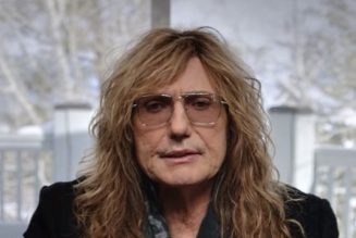 DAVID COVERDALE On WHITESNAKE's 'Red, White And Blues' Trilogy: 'We've Given Everything A Fresh Coat Of Paint'