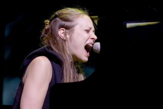 Fiona Apple Joins Black Lives Matter Protests in California