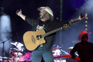 Garth Brooks Announces Concert Event at 300 Drive-in Movie Theaters