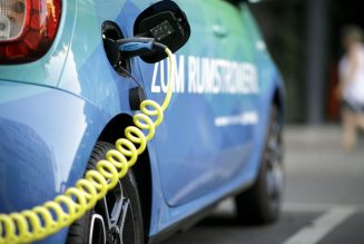 German gas stations will have to provide electric car charging under new rules
