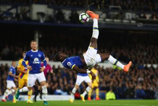 'Glory Hunter Alert': Yannick Bolasie has just roasted a Liverpool fan on Twitter