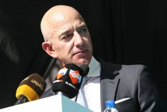 Jeff Bezos says 'black lives matter' in response to angry customer email