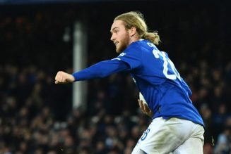 'Just not good enough': Some Everton fans are hammering one player tonight