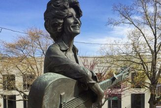 Petition Launched to Replace KKK Leader's Statue in Tennessee Capitol with Dolly Parton