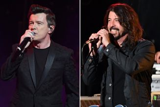 Rick Astley Covers Foo Fighters' 'Everlong'