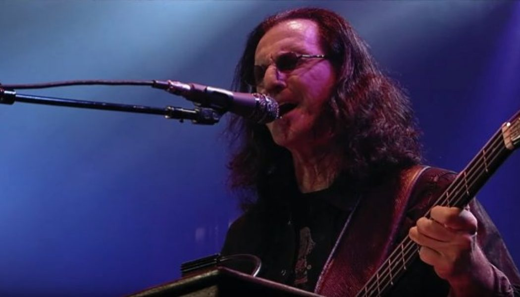 RUSH's GEDDY LEE Unearths 50-Year-Old Photo Of Him Playing One Of His Very First Instruments