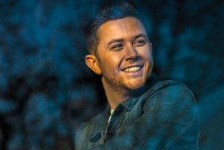 Scotty McCreery's 'In Between' Tops Country Airplay Chart: 'It Means More Than I Can Say'