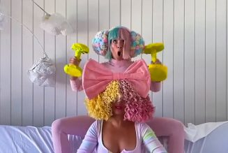 Sia and Maddie Ziegler Bring Bubbly Performance of 'Together' to Tonight Show