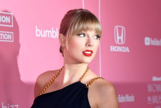 Taylor Swift Makes A Powerful Anti-Racist Statement, Urges Fans To Vote