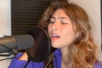 """Chris Cornell's Daughter Toni Covers Pearl Jam's """"Black"""": Watch"""