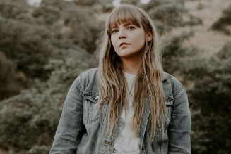 Courtney Marie Andrews' Old Flowers Finds Growth in Moving On: Review
