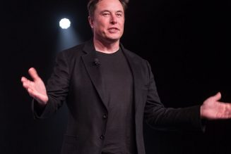 Elon Musk says his Twitter DMs are mostly for swapping memes