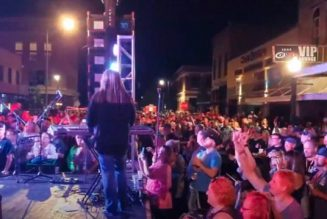 GREAT WHITE Plays Concert In North Dakota With No Restrictions In Place: No Social Distancing, No Masks (Video)