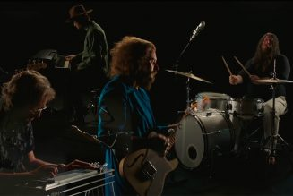 My Morning Jacket Perform 'Spinning My Wheels' on Tonight Show