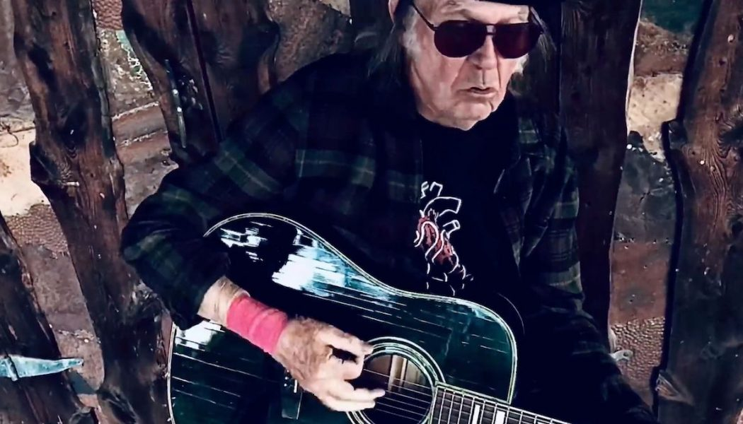 Neil Young Steps Out Onto the Porch, Covers Bob Dylan for Latest Fireside Session: Watch