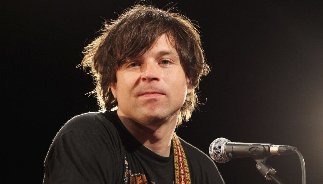 """Ryan Adams Says His New Apology Isn't """"Bullshit"""", Only to Then Announce New Music"""