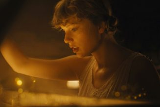 Taylor Swift's folklore Dismantles Her Own Self-Mythologizing: Review