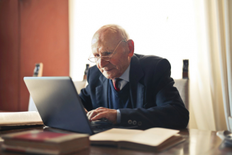 Why Senior Citizens Should Choose Online Banking