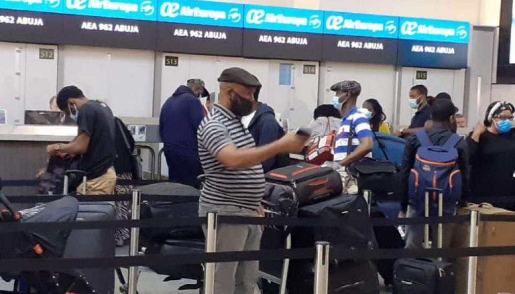 327 Nigerian nationals depart London for Abuja