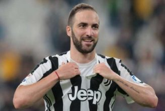 Aston Villa, West Ham linked with move for Gonzalo Higuain