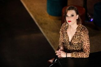 HALESTORM's LZZY HALE To Host AXS TV's 'A Year In Music'
