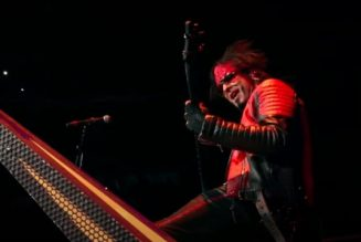 MÖTLEY CRÜE's NIKKI SIXX Says He Is The Most Underrated Bass Player Ever
