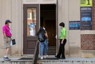 UNC-Chapel Hill Switches Back To Remote Classes After COVID-19 Spike