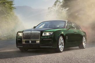 2021 Rolls-Royce Ghost Extended Takes Rear-Seat Luxury to the Max