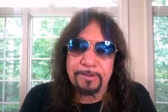 ACE FREHLEY: 'DONALD TRUMP Is The Strongest Leader That We've Got On The Table'