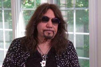 ACE FREHLEY Looks Back On KISS's Infamous 'Tomorrow Show' Interview: GENE SIMMONS 'Didn't Seem Too Thrilled About It'