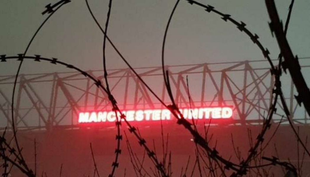 Ian Wright accuses Manchester United of 'dithering' over transfers