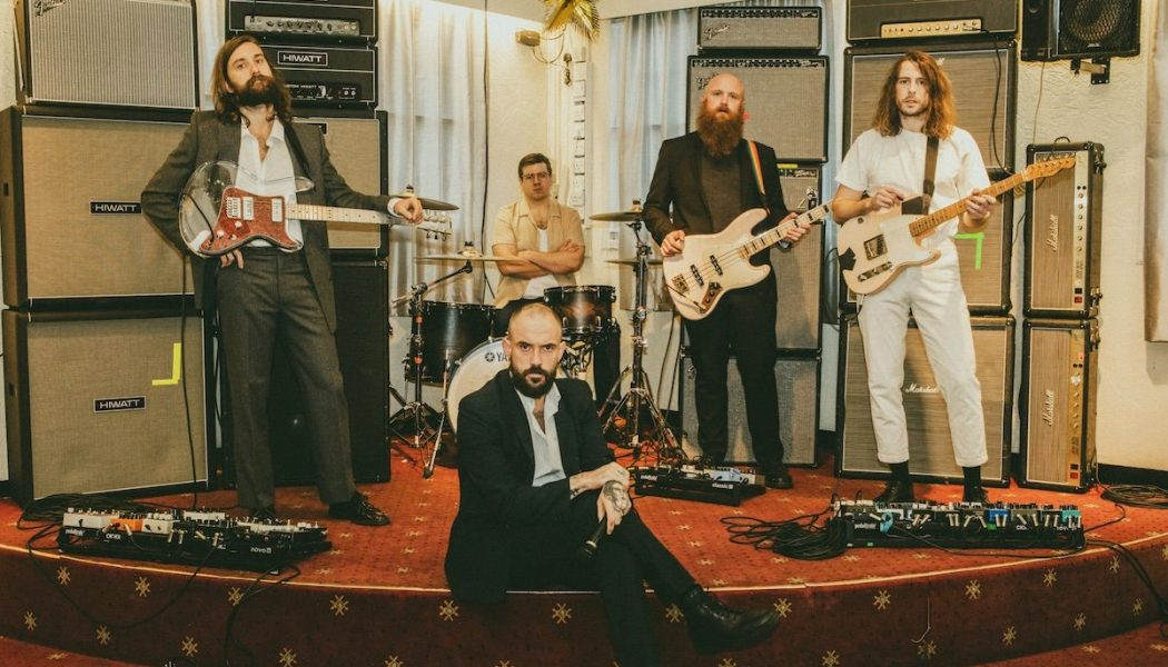 IDLES' Ultra Mono Offers Rallying Cries for a Burning World: Review
