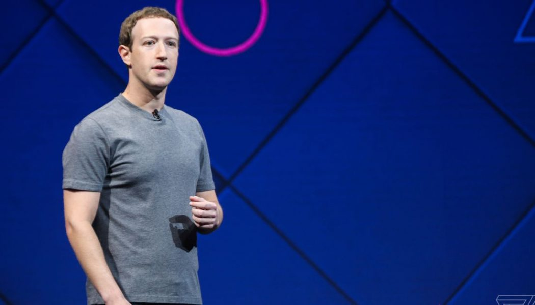 """Mark Zuckerberg on why he doesn't want to """"put an Apple Watch on your face"""""""