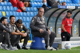 Report shares what the problem is as Bielsa stalls on new Leeds deal