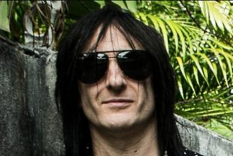 RICHARD FORTUS Says 'It Was A Difficult Dynamic To Make Three Guitars Work' In GUNS N' ROSES