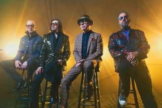 The Mavericks Debut at No. 1 on Latin Pop Albums Chart with 'En Español': 'This is Beyond Us'