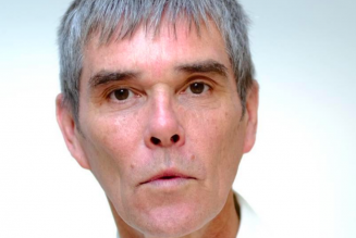 """The Stone Roses' Ian Brown Says """"Plandemic"""" Is Making Us """"Digital Slaves"""""""