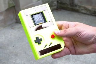 This Game Boy doesn't need batteries, but shuts off every 10 seconds