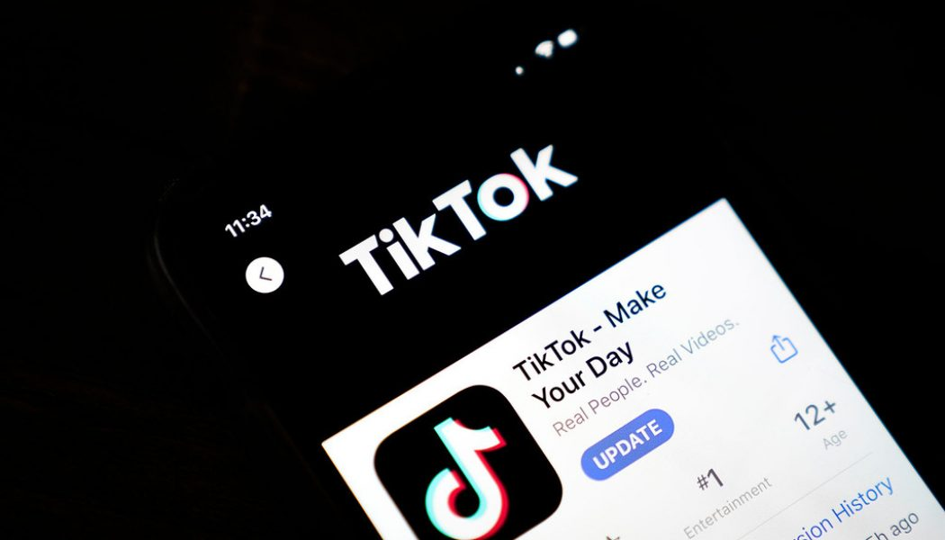 Trump Backs Proposed Deal to Keep TikTok Operating In U.S.