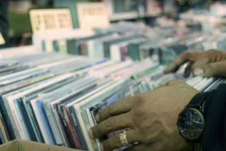 Vinyl Sales Surpass CD Sales for the First Time in 34 Years