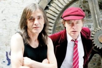 AC/DC's ANGUS YOUNG On Brother MALCOLM: 'I Can Still Feel Him Communicating To Me When I'm Playing Guitar'