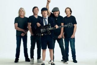 AC/DC's ANGUS YOUNG Shoots Down Rumor MALCOLM YOUNG's Guitar Playing Appears On 'Power Up'