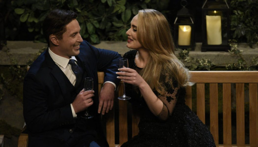 Adele Sings Her Hits While Looking for Love on 'Saturday Night Live's' 'The Bachelor' Sketch